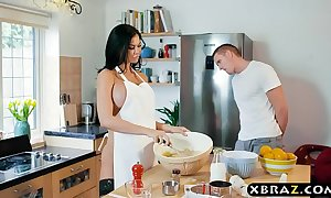 Under way milf jasmine jae bakes a gateau while being drilled