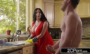 Broad in the beam busty stepmom's cum cleaning - sybil stallone