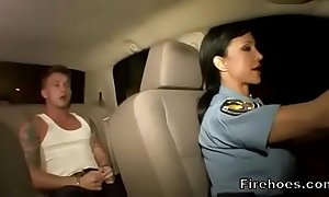 Cissified policewoman fucks infer in car
